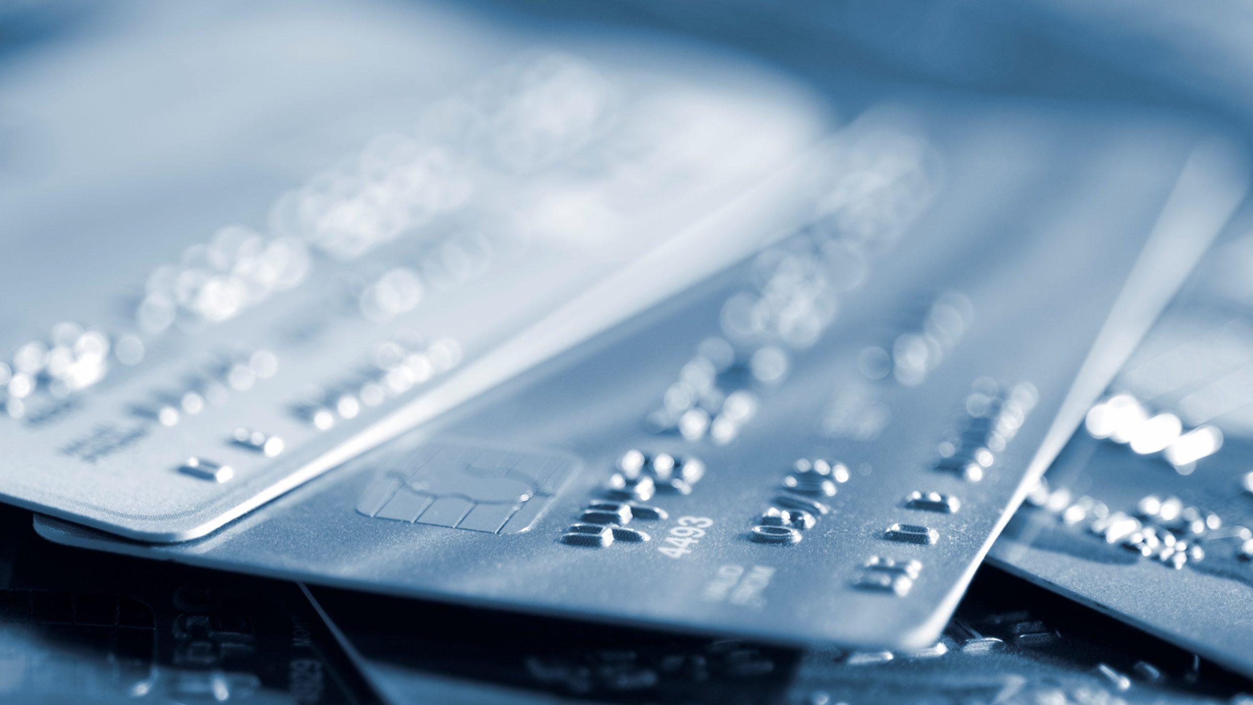 Konvergenz Debitkarten Kreditkarten